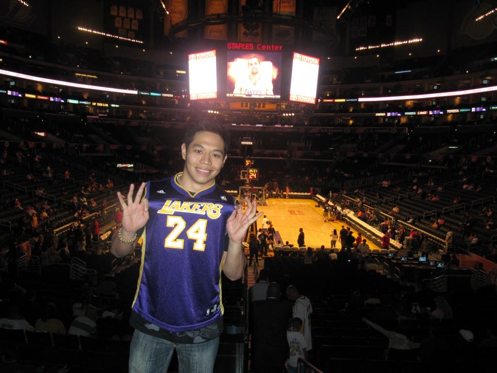 Vince excited to be at the Staples Center to watch the Laker game When in Manila becomes When In California wheninmanila.com