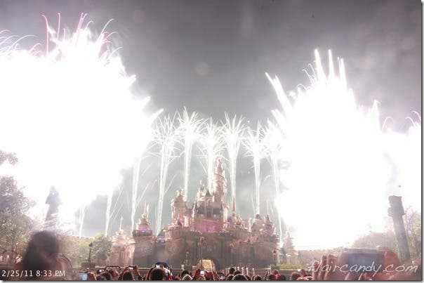 Fireworks-show-hong-kong-disney-disneyland-wheninmanila-when-in-manila (1)