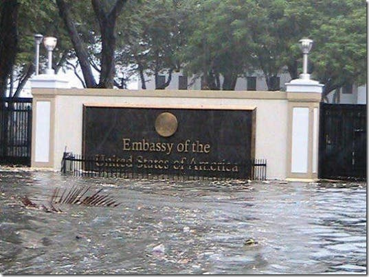 pedring-watch-nesat-us-embassy-united-states-embasy-typhoon-pics-photos-pictures-manila-philippines-wheninmanila-flooding-disaster