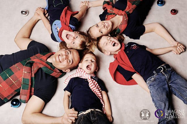 Imagine-Nation-Photography-Postcards-Photo-Sessions-Christmas-Family-Kids-1