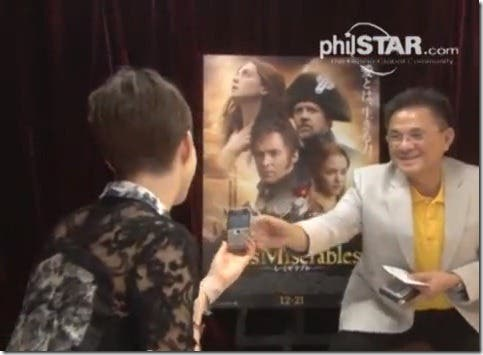 Awkward Anne Hathaway Les Miserables Interview with Filipino Ricki Lo WhenInManila