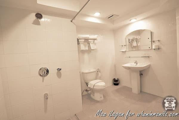 Reminds me of bathrooms in ancestral houses.