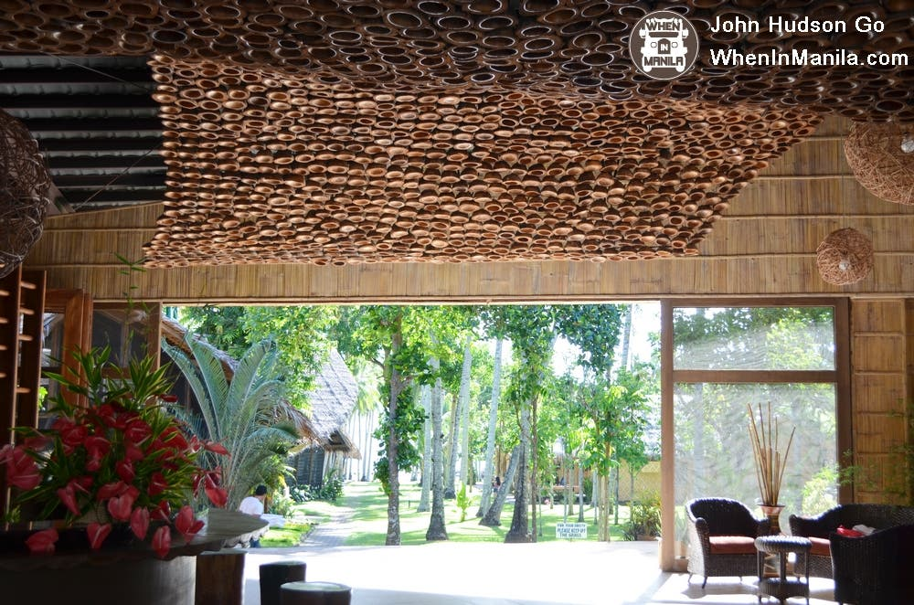 The lobby at Bahay Bakasyunan sa Camiguin is decorated with a wave of coconut husks. Ingenious!