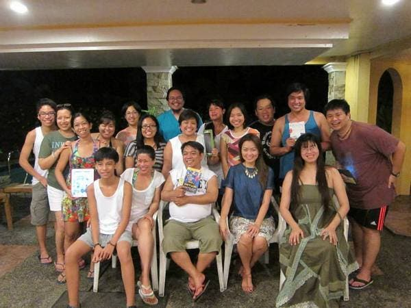Flips Flipping Pages, book club, dares best-selling author Bill Bryson to travel to the Philippines - Neither Here Nor There Book Discussion