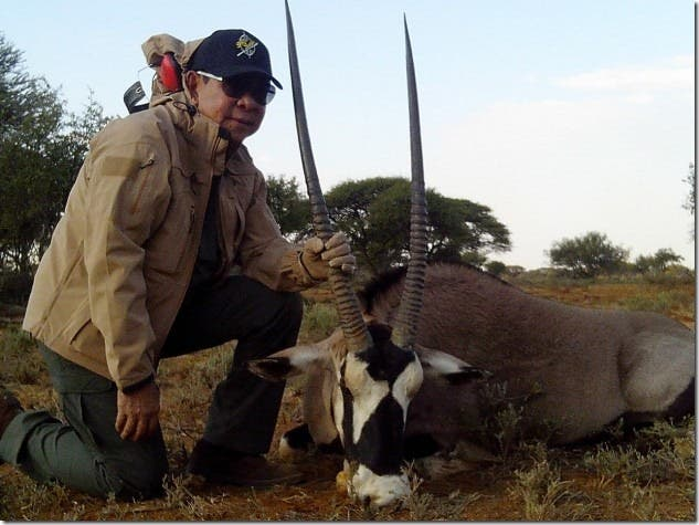 Chavit Singson Kills Lion and Antelope for his Birthday (3)