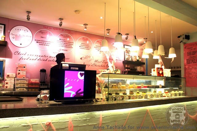 Larcy's Cupcakerycafe's Counter