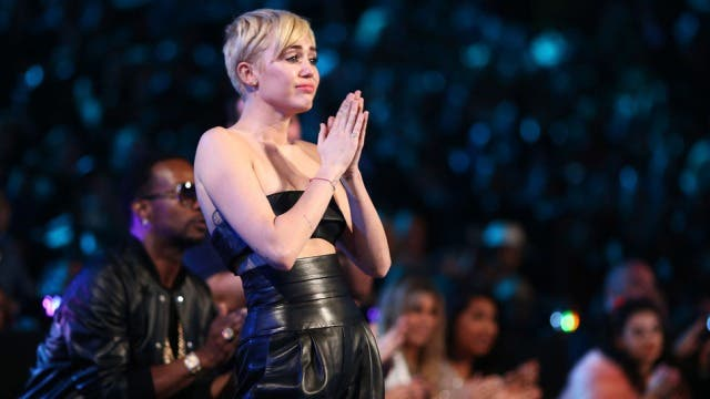 Miley Cyrus Video of the Year VMA 2014 (1)
