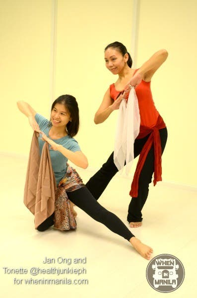 Strike Your Best Bollywood Dance Pose And Win 2 FREE Bollywood Dance Passes00006