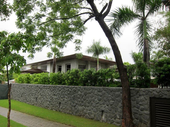 The Real Reason Pacquiao is Selling His Mansion Neighbors Don't Like His Badly-Dressed Visitors 2