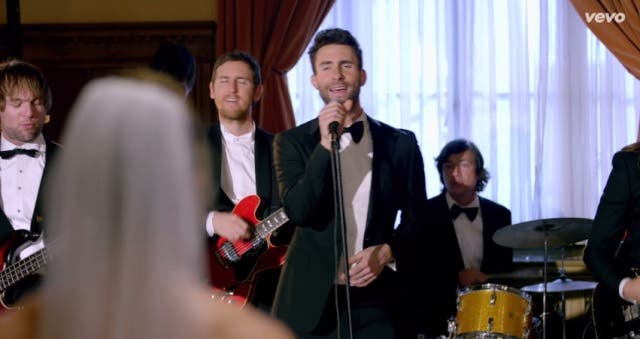 Maroon 5 Crashes Weddings (1)