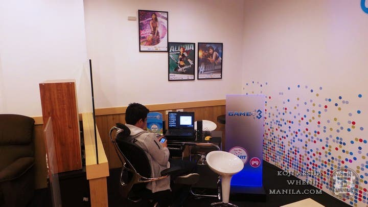 Smart Communications Turns its Stores Into a Hip Lifestyle Cafe (11)