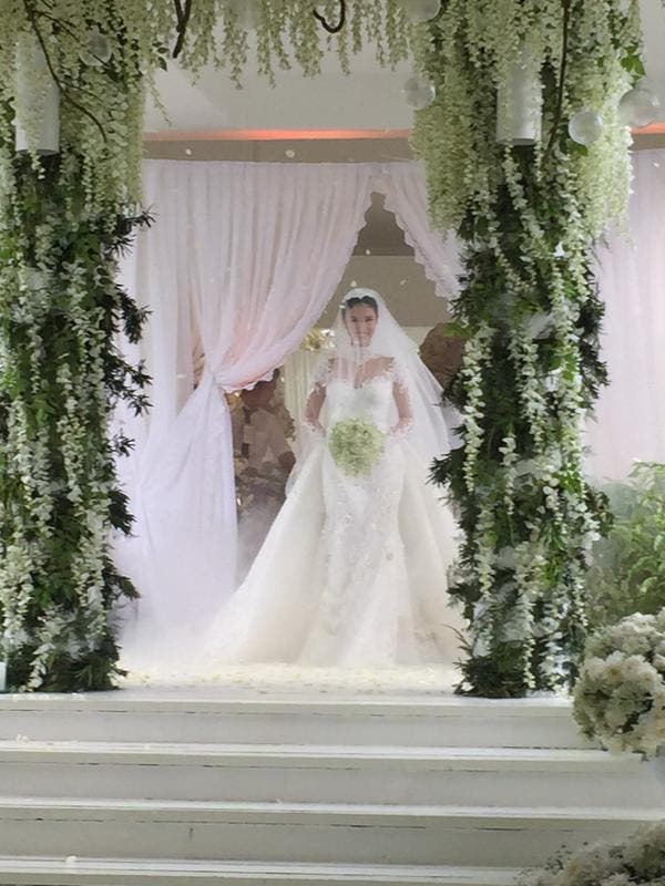 dc2dd12a942 Check Out Heart Evangelista s Wedding Gown! 3 - When In Manila