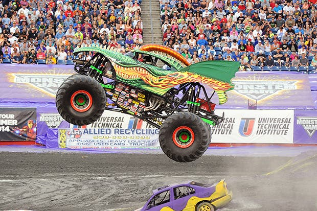 Monster Jam Holds First Monster Truck Show in the Philippines! (1)