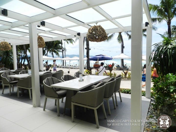 Eat and dance with the dancing chefs at Seabreeze Cafe Boracay
