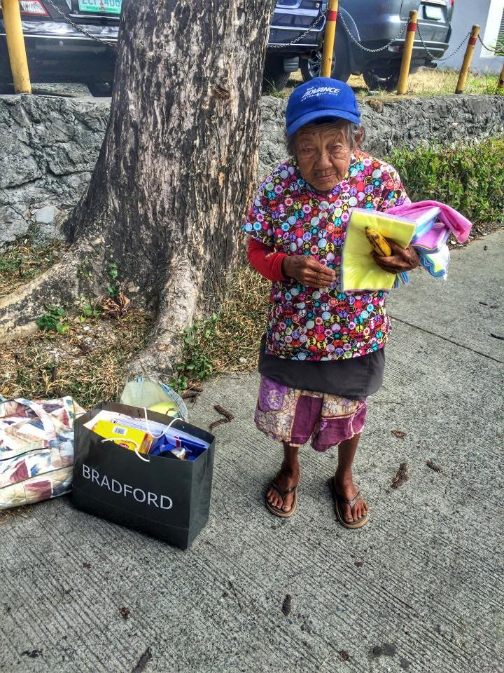 85 Year Old Woman Still Works to Support Her Family