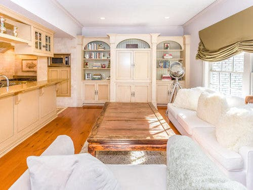 Manny Pacquiao Buys Multi-Million Dollar House in Beverly Hills 8