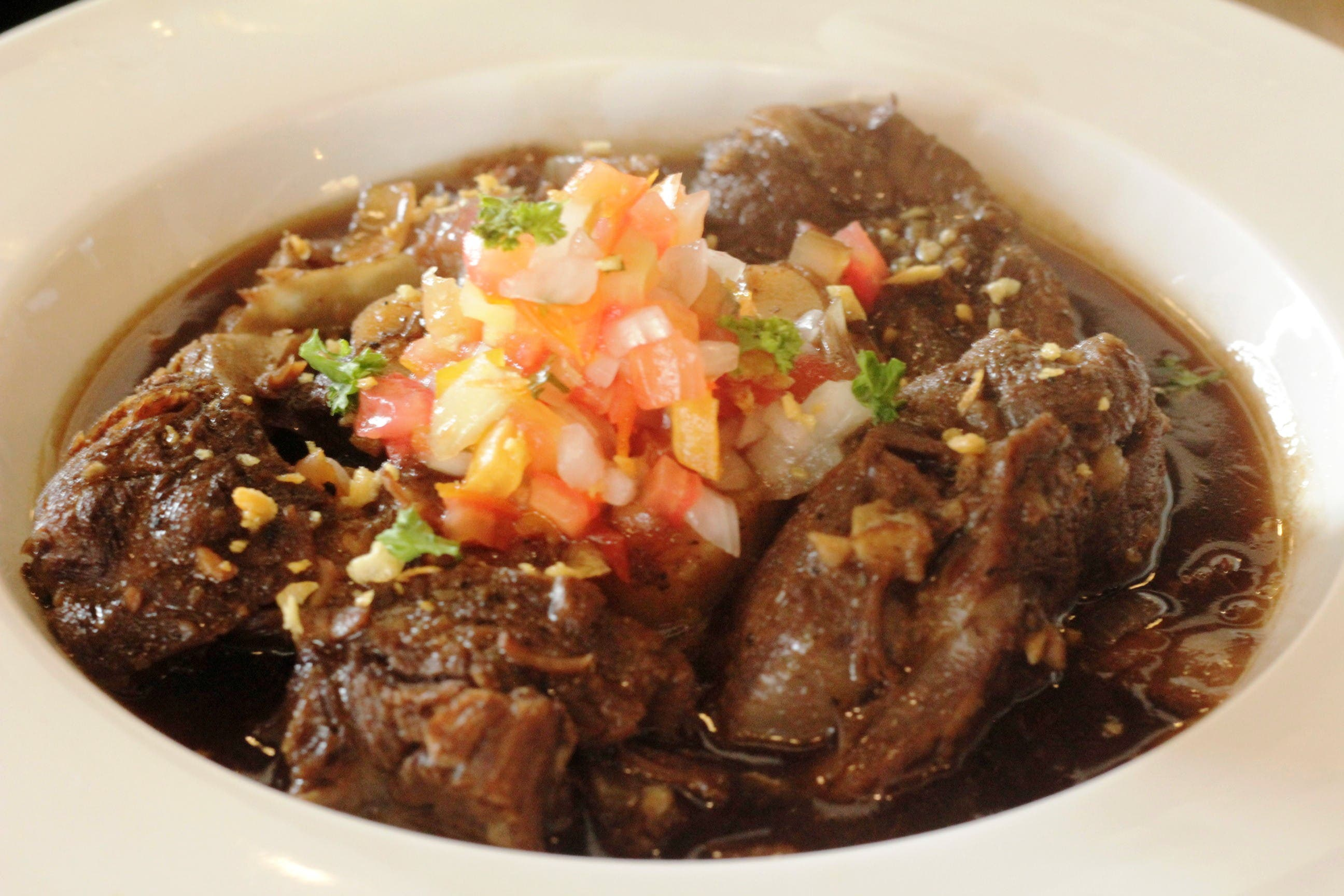 pascua's freestyle kitchen adobong bulalo