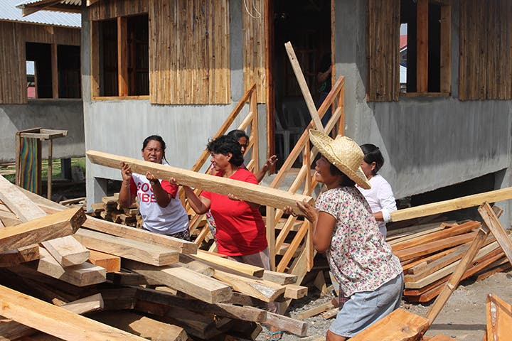 How to Build Houses: A Lesson From Women in Yolanda-Affected Areas in Roxas City