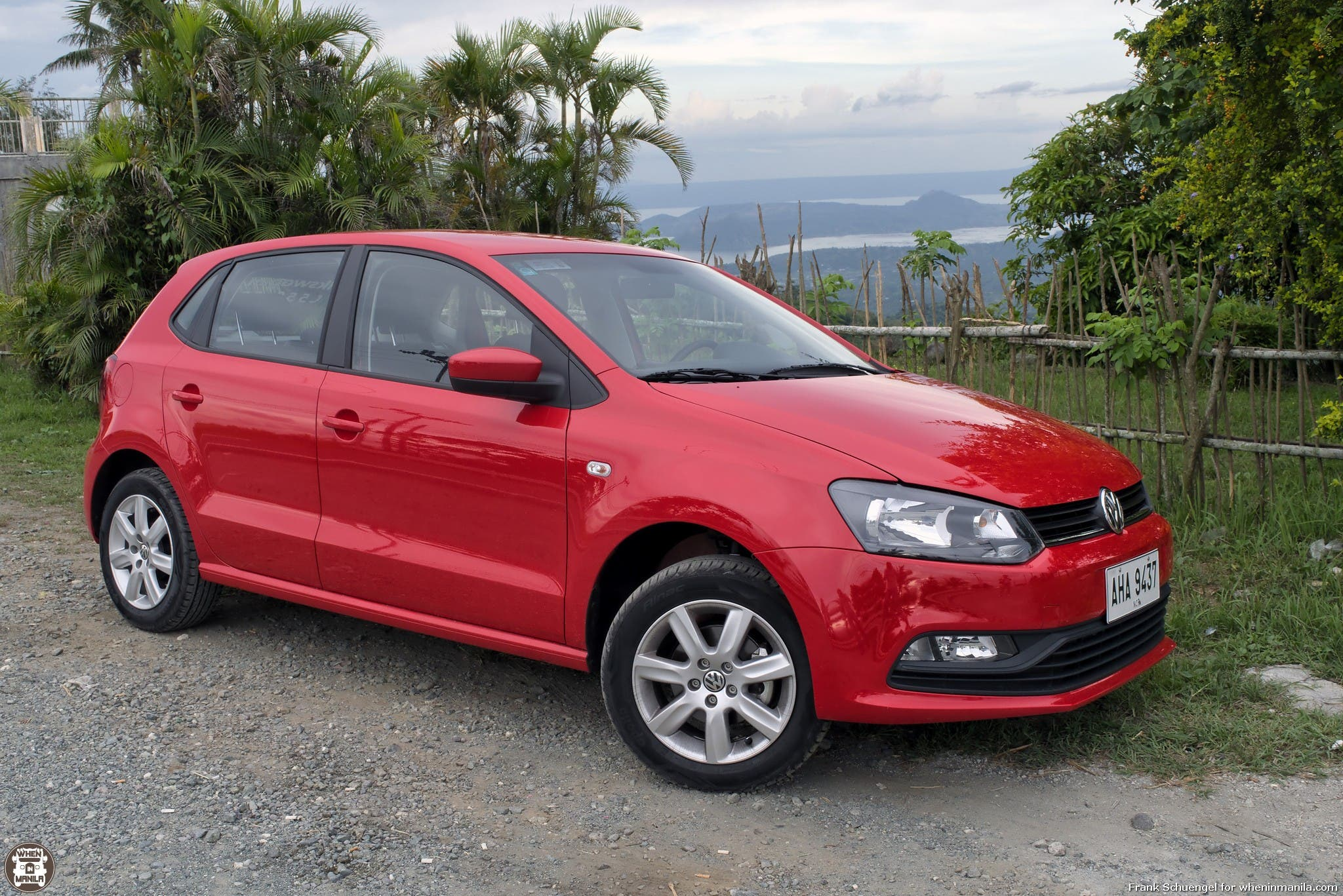 volkswagen polo hatchback review the little car that leaves a big impression when in manila. Black Bedroom Furniture Sets. Home Design Ideas