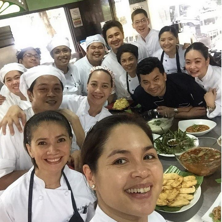 Even while pregnant, Judy Ann is determined to complete her culinary course. She posted this photo of her Thai cooking class on her Instagram account @officialjuday