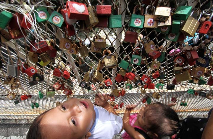 MayForever Manila Has Its Own Love Locks 3