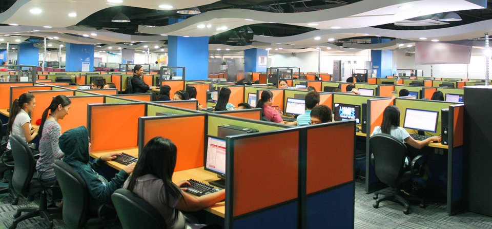 She Hated Her Call Center Job… Here's What She Did Instead