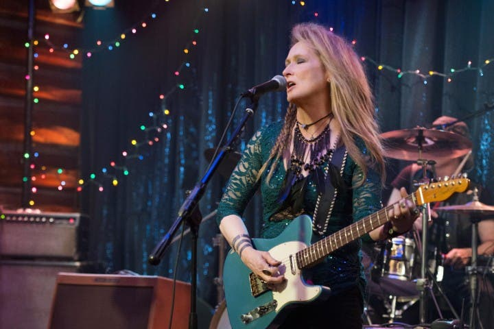 still-of-meryl-streep-in-ricki-and-the-flash-(2015)-large-picture (1)