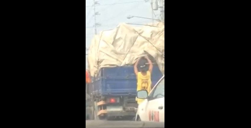 WATCH Thief Steals from Back of Truck in Broad Daylight