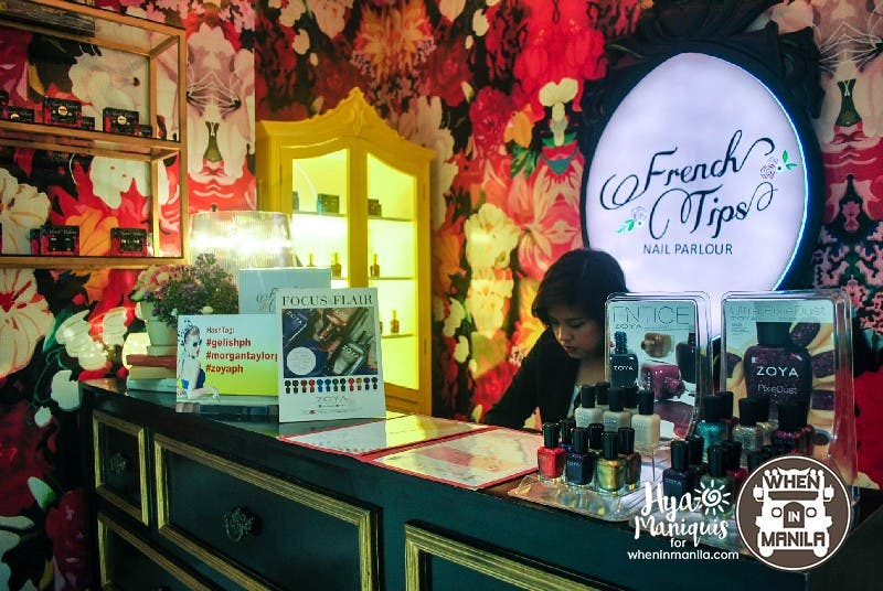 French Tips Nail Parleur Receiving Area