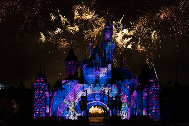 hong kong disneyland castle projection