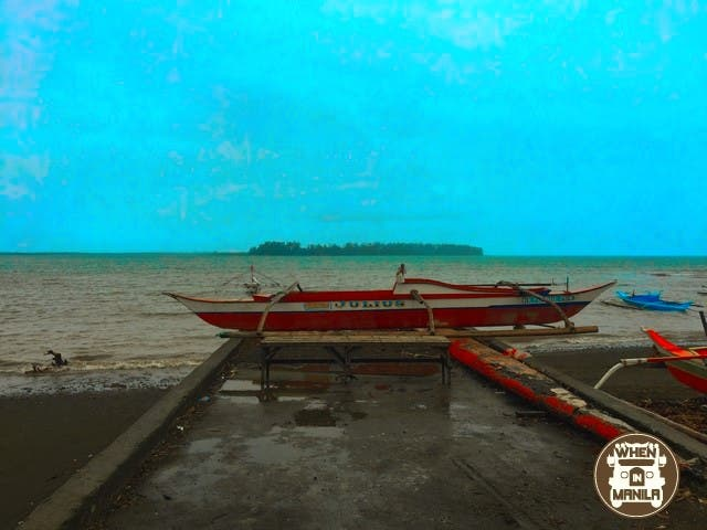 The boat which brought us to  Baluti island.