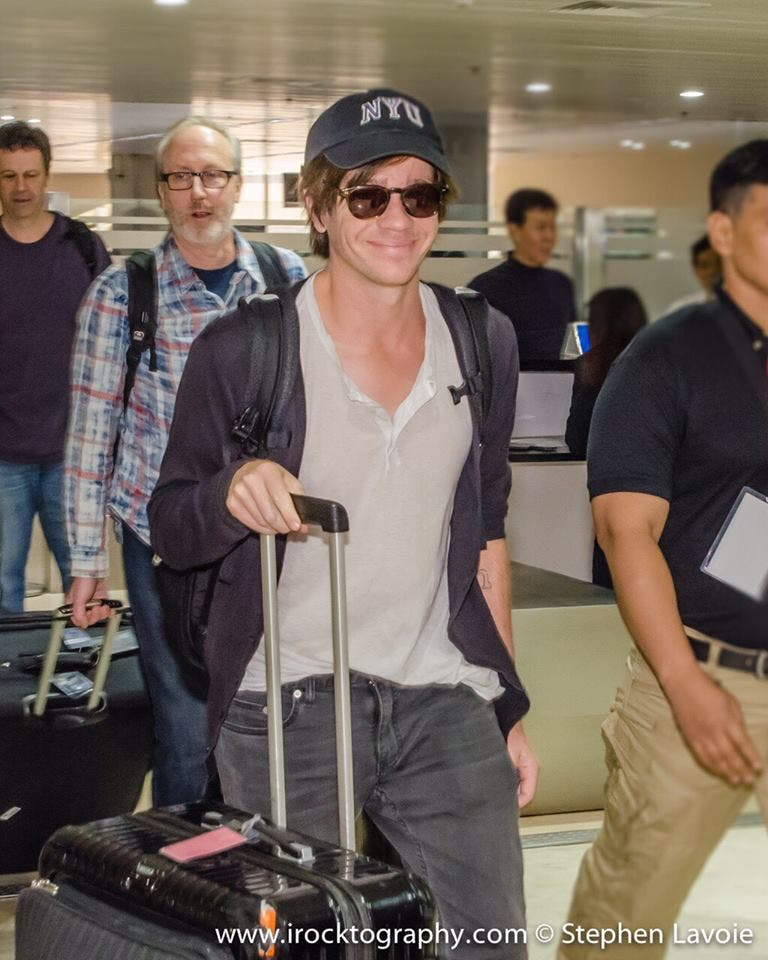 Nate Ruess arriving at NAIA.