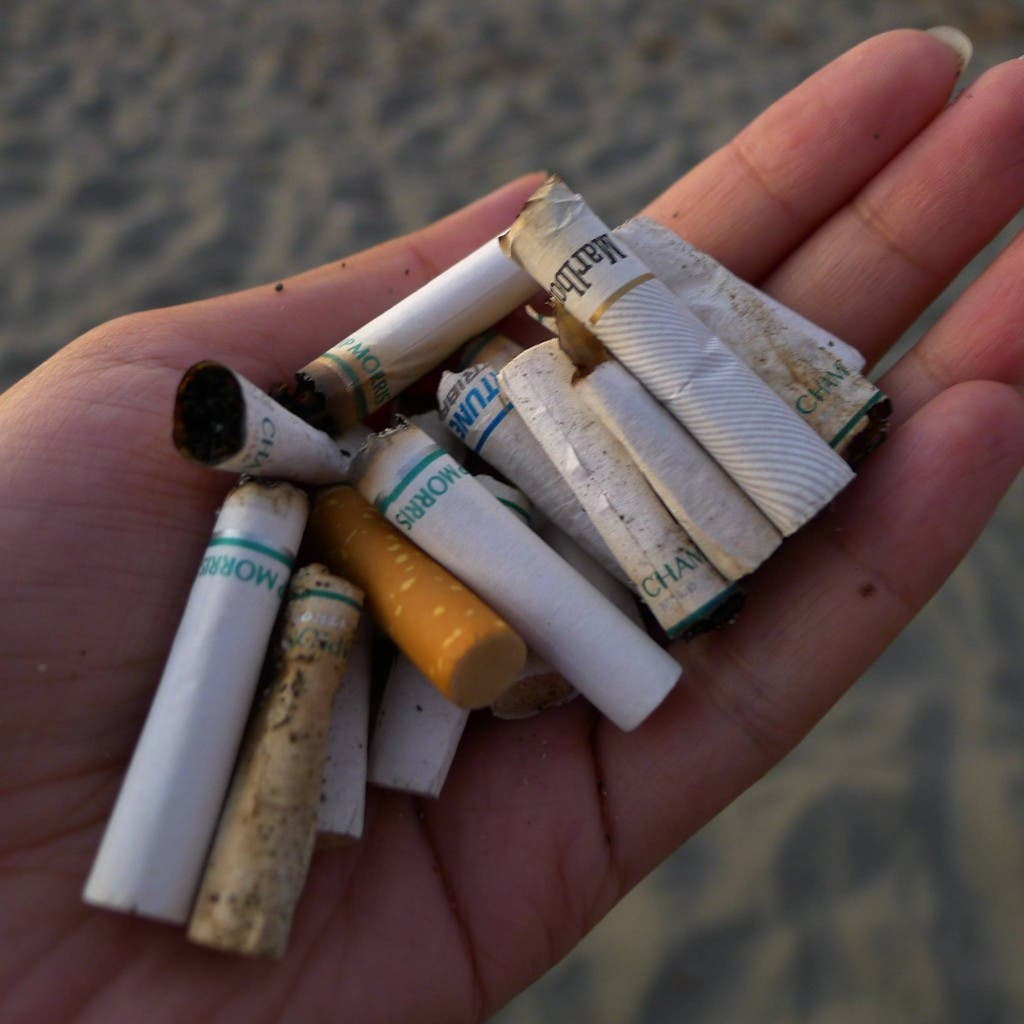 The beach is not an ashtray