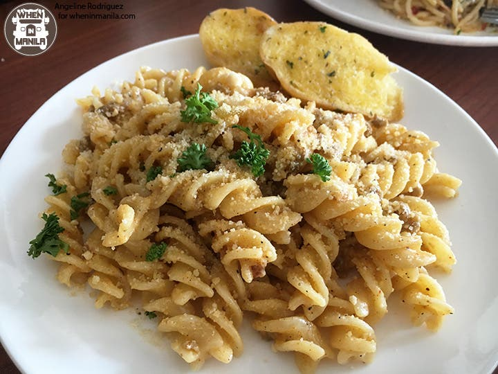 Crazy Chick BF Homes Wings Pasta