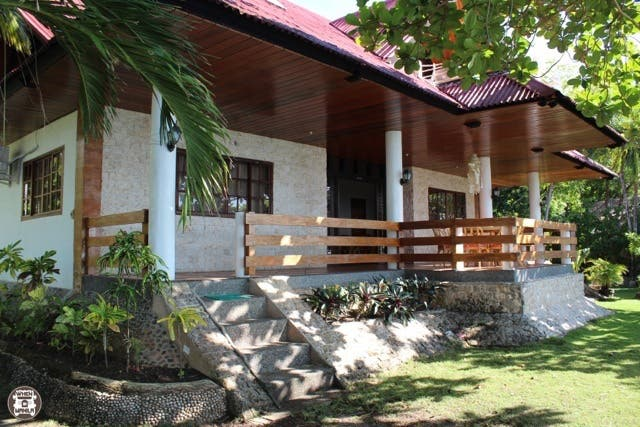 Private Barkada & Family beach destination in Moalboal, Cebu: White Beach Oceanfront House 4
