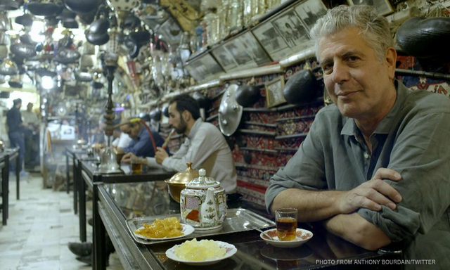 LOOK Anthony Bourdain Tweets in Filipino