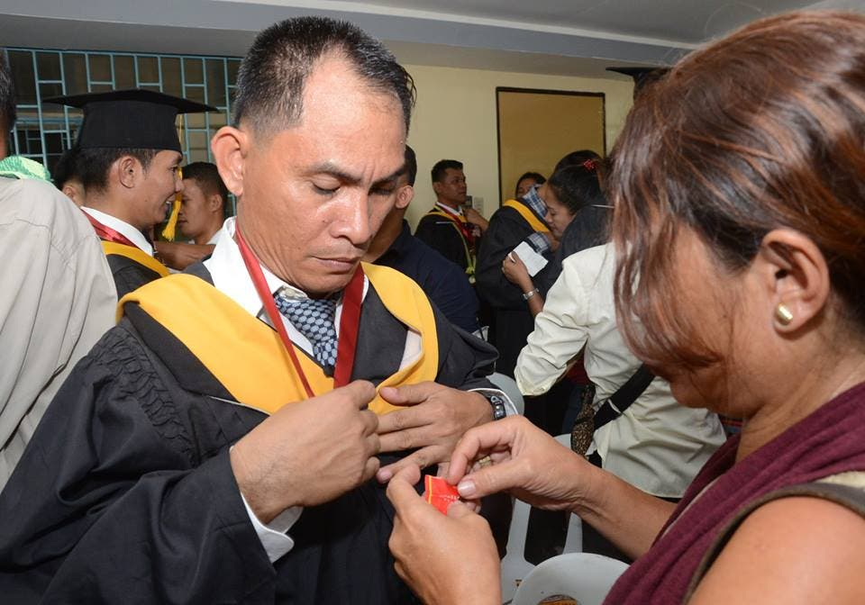 LOOK Bilibid Inmates Earn College Degrees