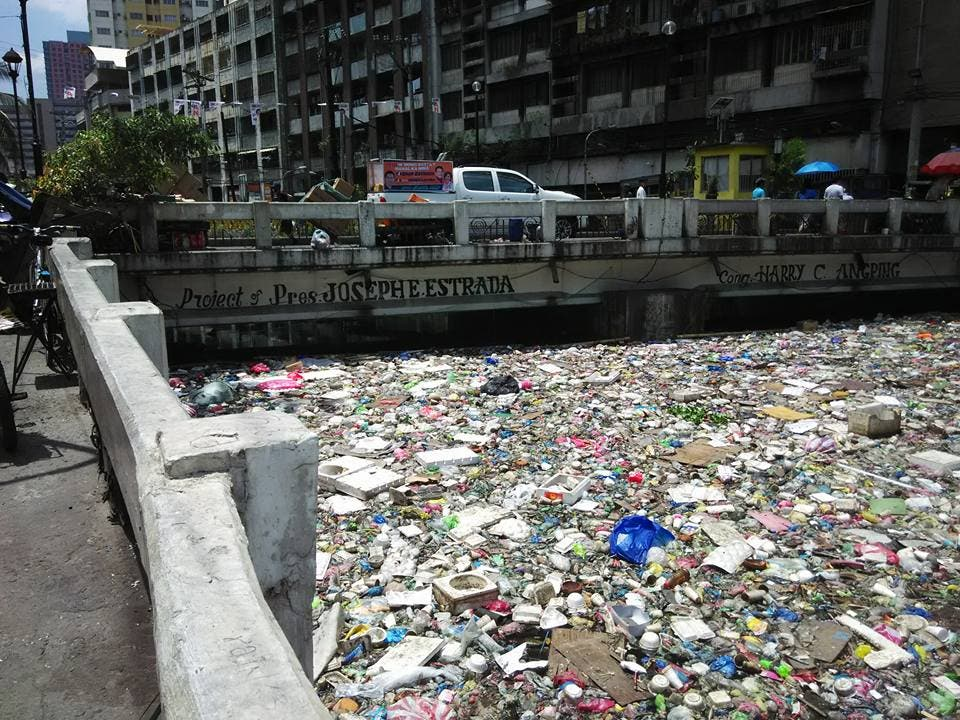 LOOK Netizen Calls Out Manila Government For Canal Filled with Trash