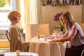 """TRAILER: Watch Jennifer Aniston, Kate Hudson, and Julia Roberts in """"Mother's Day"""" OctoArts Films"""