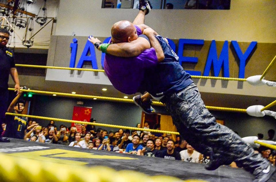 PWR-Wrevolution-X-Results-The-Show-of-shows-when-in-manila-splat