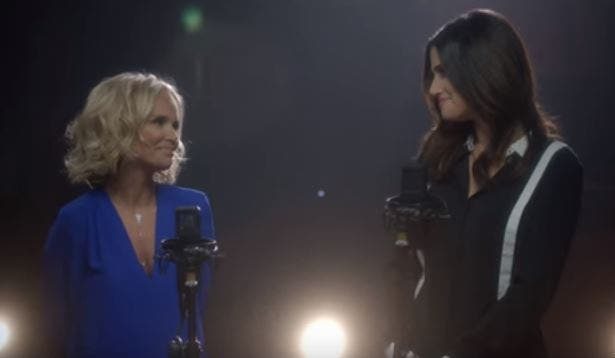 WATCH Kristin Chenoweth and Idina Menzel Reunite For Wicked