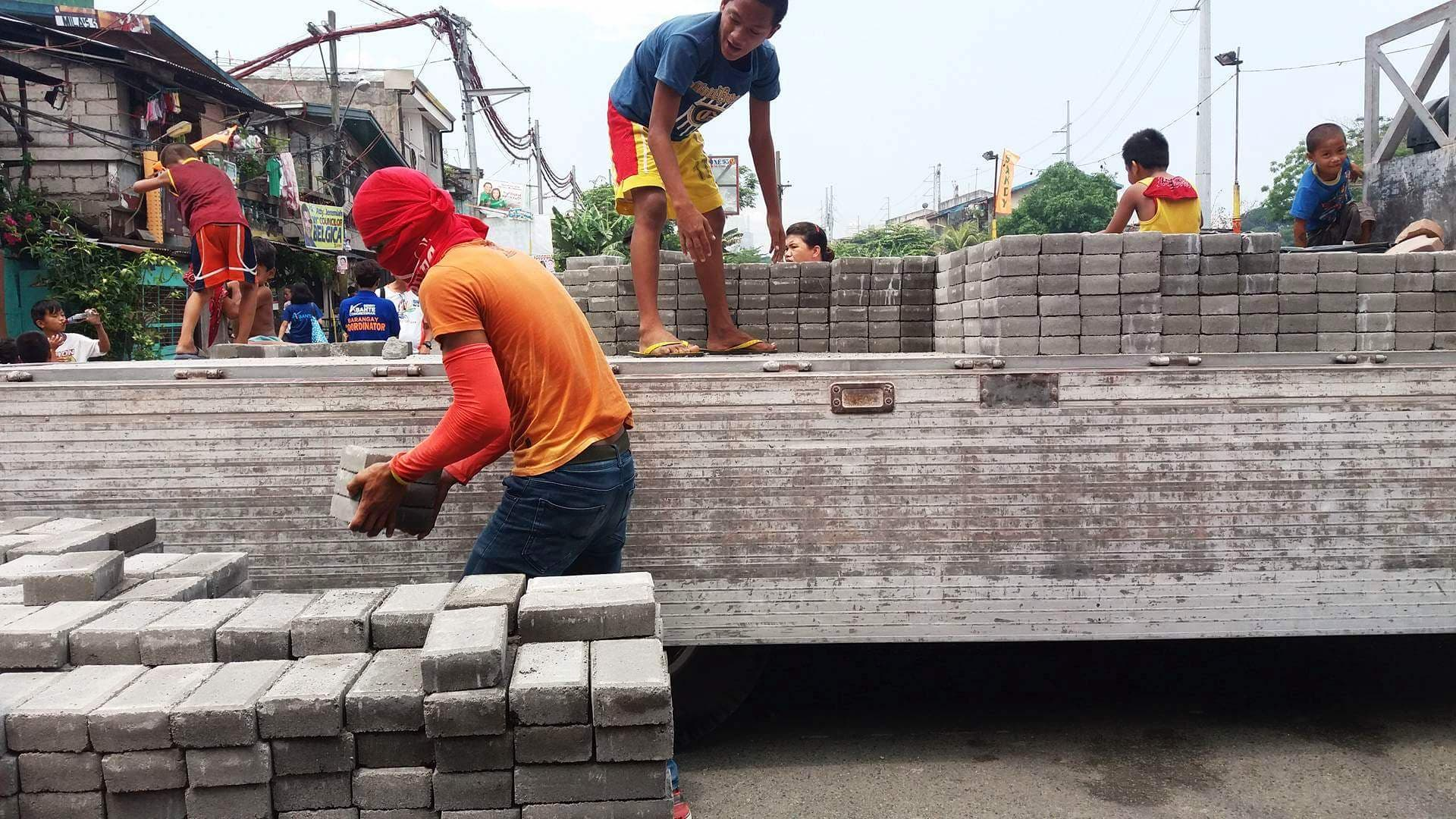 Plastic recycling in Manila - Plastic Bricks and Pavers