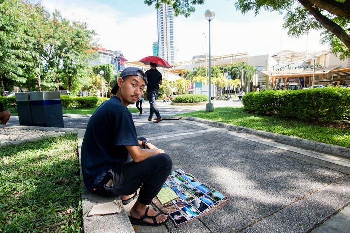 LOOK Guy Sells Beautiful Photos on the Street... At Your Price 5