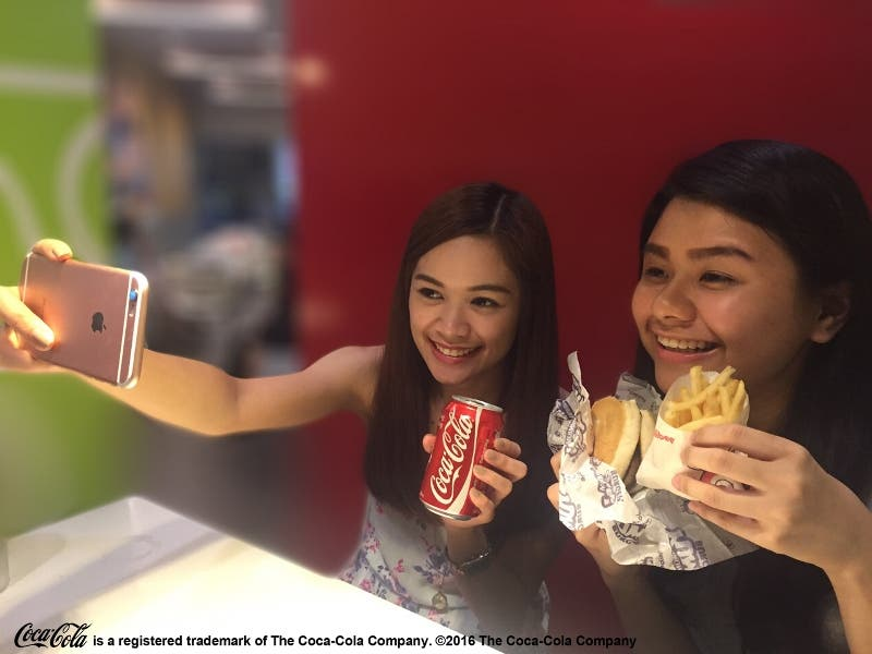 Jollibee Coke (with legal line) feature