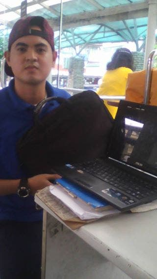 Laptop in Escolta 1