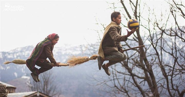 Teacher Set Up Photoshoot so His Students Look Like They're Playing Quidditch Harry Potter