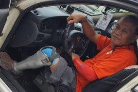 LOOK: Hard-Working Taxi Driver with Amputated Leg Needs Help