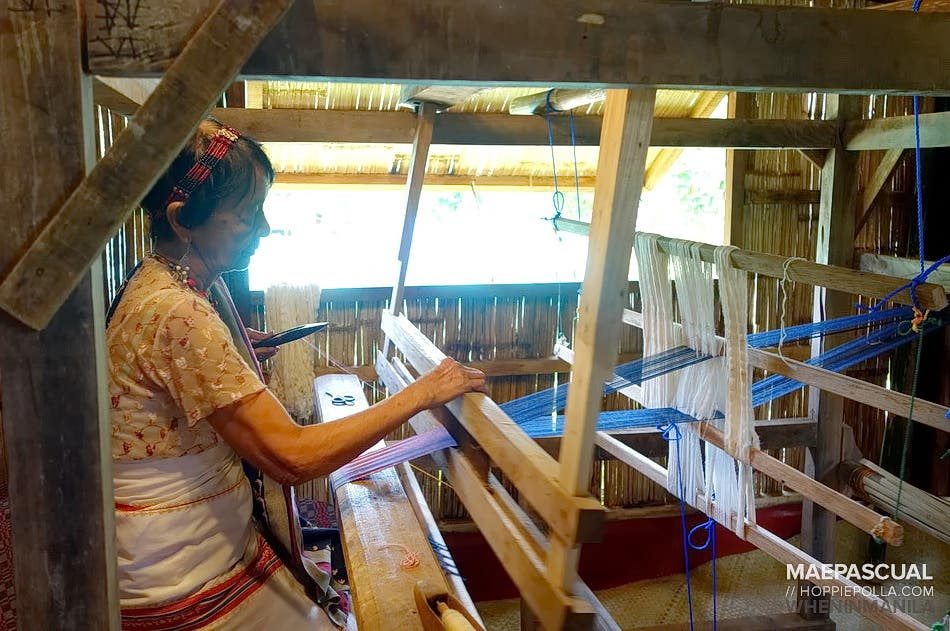 when-in-manila_hoppiepolla_nurture-farmacy_07_Traditional way of weaving by the Tinggians