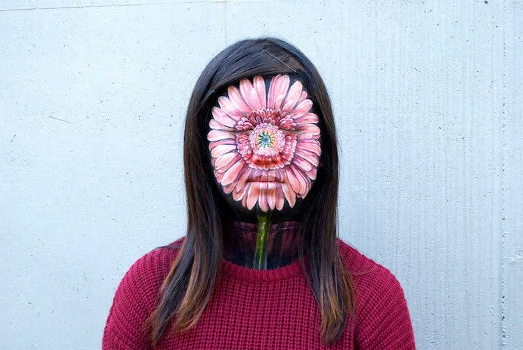 Artist Creates Mind-Bending Illusions Using Body Paint