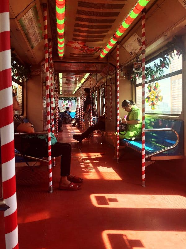 lrt-christmas-train